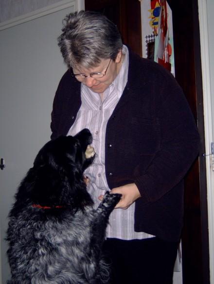 2003-12-24 Tessa & Mama
