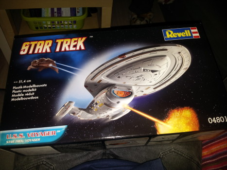 USS Voyager model kit